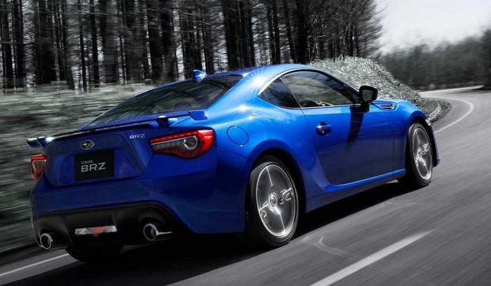 スバルBRZの年式別 グレードや新車価格は?